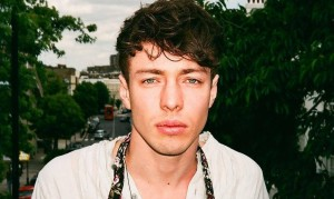 glitter and gold barns courtney mp3 free download